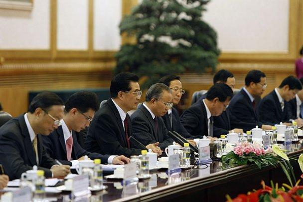 Янукович прогулялся по Великой китайской стене