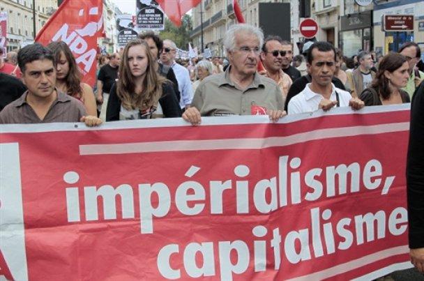 Французы вышли на демонстрации в защиту цыган