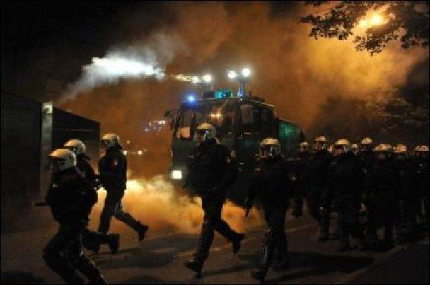 Анархісти у Німеччині побилися з поліцейськими