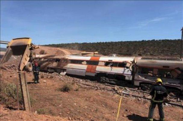 Столкновение поезда с самосвалом в Испании