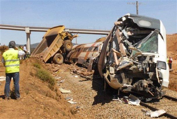 Зіткнення потягу із самоскидом у Іспанії