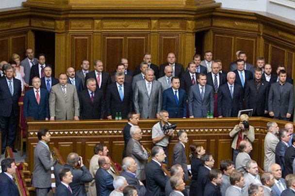 Янукович побажав депутатам здорового глузду