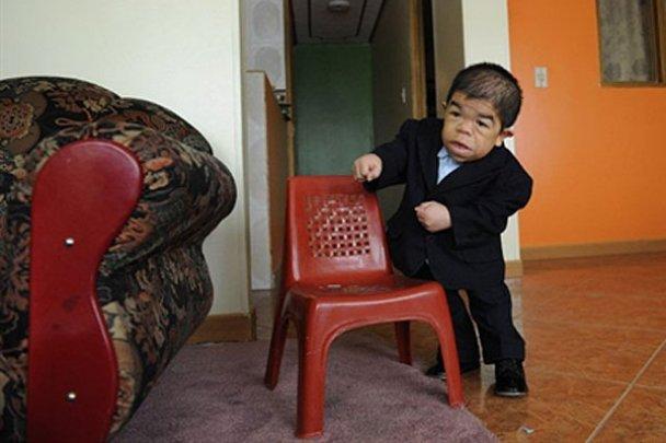 Самые низкие люди мира: колумбиец и непалец