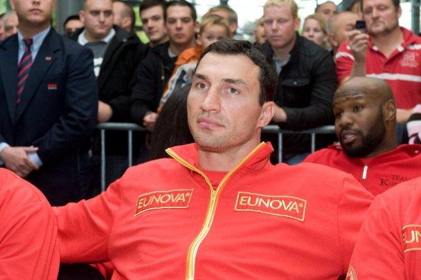 Владимир Кличко и Сэмюэль Питер вышли в ринг