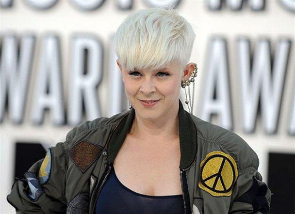 """""""Белая дорожка"""" премии MTV Video Music Awards 2010"""