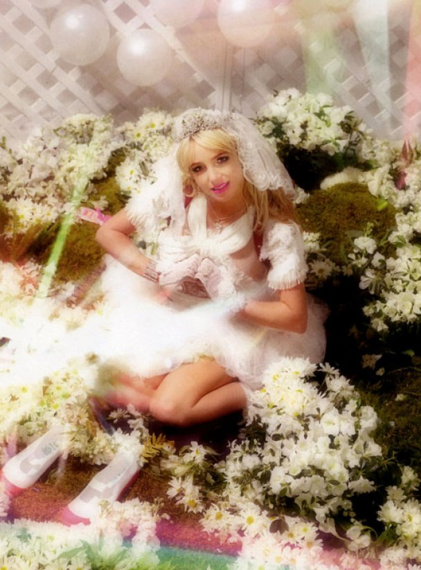 Безневинна Брітні Спірс у фотосесії для POP