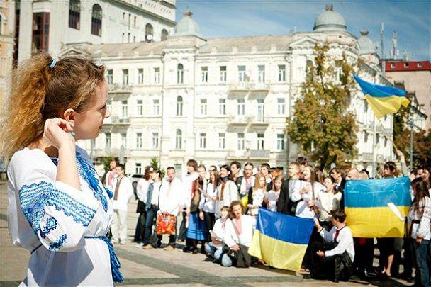"""""""Мегаграндиозный"""" парад вышиванок в Киеве"""