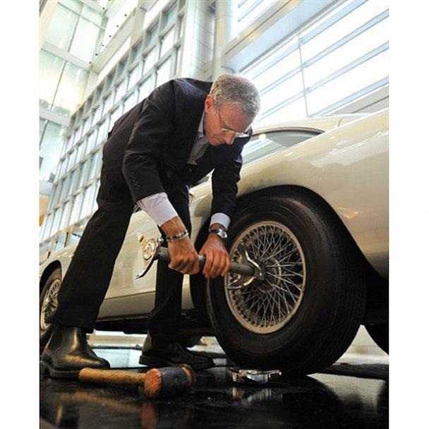 "Автомобиль ""агента 007"" Джеймса Бонда выставлен на аукцион"