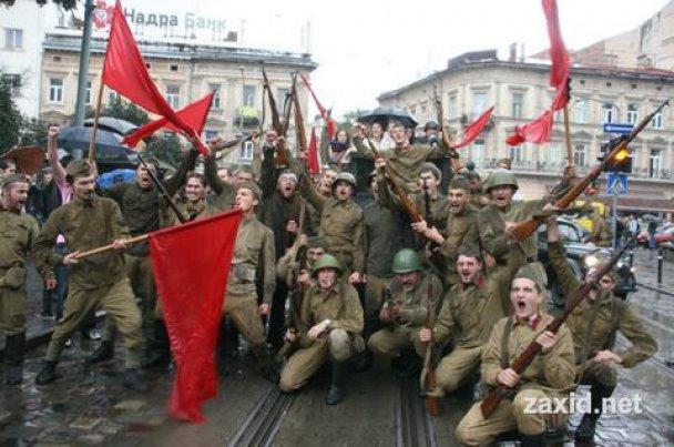 Во Львове советские оккупанты устроили пьяный дебош