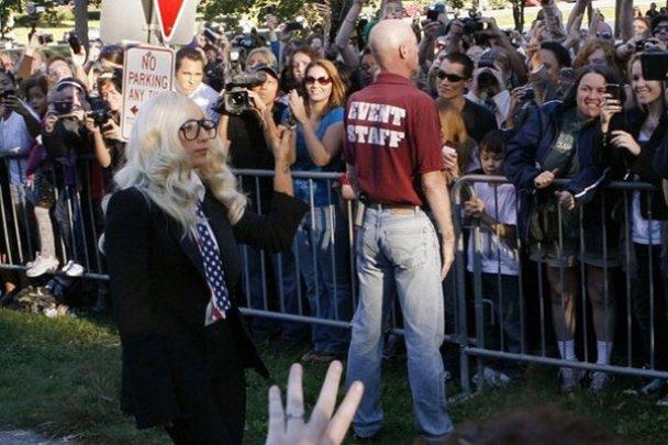 Ladу GaGa устроила митинг в поддержку геев