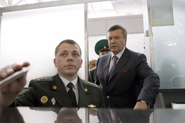 """Янукович открыл в """"Борисполе"""" новый терминал"""