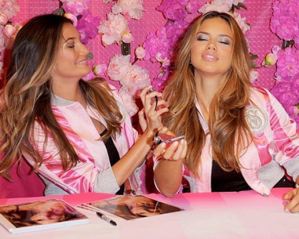 Адриана Лима и Лили Олбридж презентовали аромат Victoria's Secret