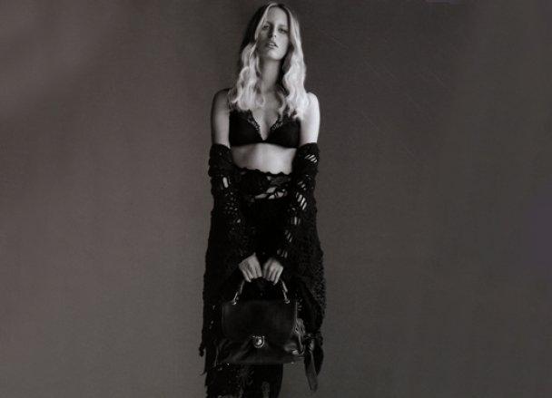 Кароліна Куркова знялась для ювілейного номера Elle