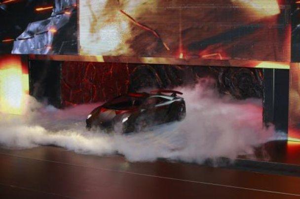 Lamborghini представила новий надлегкий суперкар