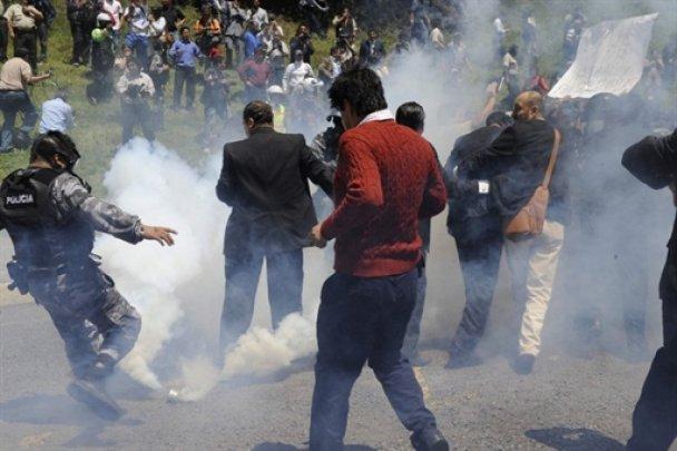 Массовые акции протеста полицейских в Эквадоре