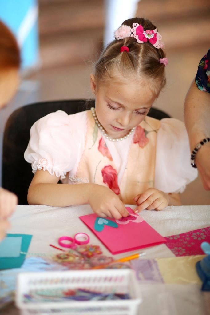 5.Діти створюють речі своїми руками